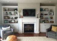 Pretty Bookshelves Design Ideas For Your Family Room 43