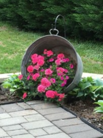 Pretty Frontyard Landscaping Design Ideas 01