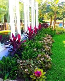 Pretty Frontyard Landscaping Design Ideas 12