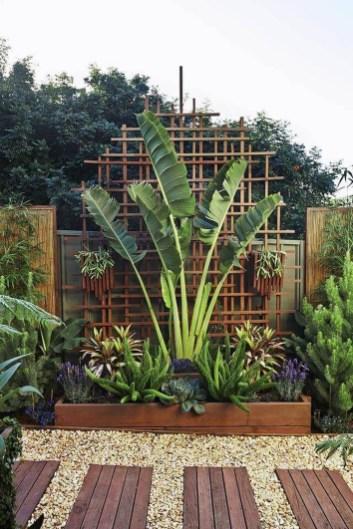 Pretty Frontyard Landscaping Design Ideas 16