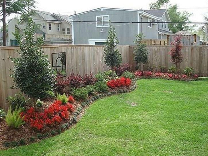 Pretty Frontyard Landscaping Design Ideas 23