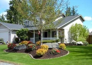 Pretty Frontyard Landscaping Design Ideas 26