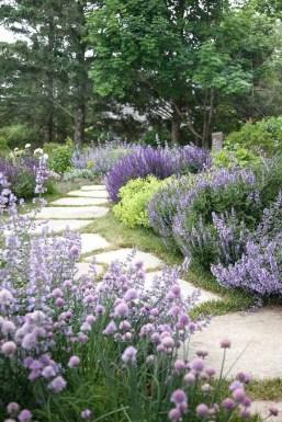 Pretty Frontyard Landscaping Design Ideas 33
