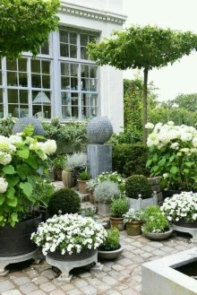 Pretty Frontyard Landscaping Design Ideas 41