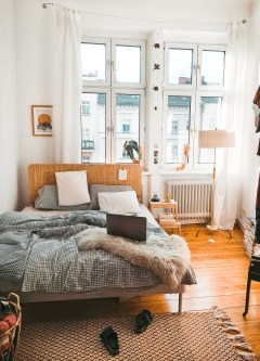 Stylish Bedroom Decoration Ideas For Your Apartment 56