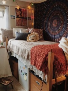 Adorable Dorm Room Design Ideas On A Budget 05