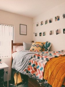 Adorable Dorm Room Design Ideas On A Budget 49
