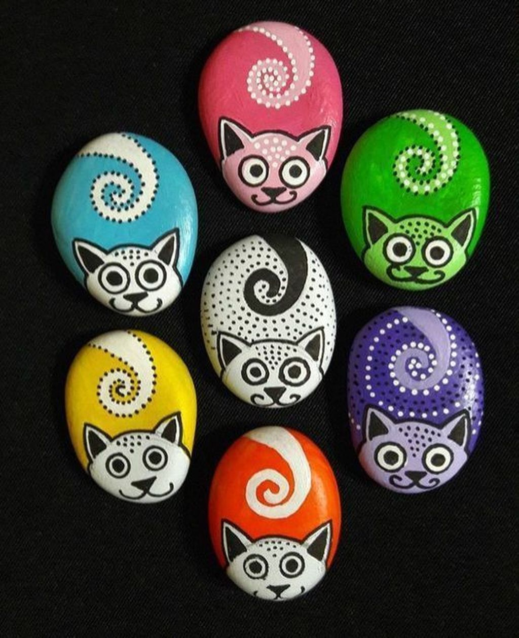 Affordable Diy Painted Rock Ideas For Home Decoration 16