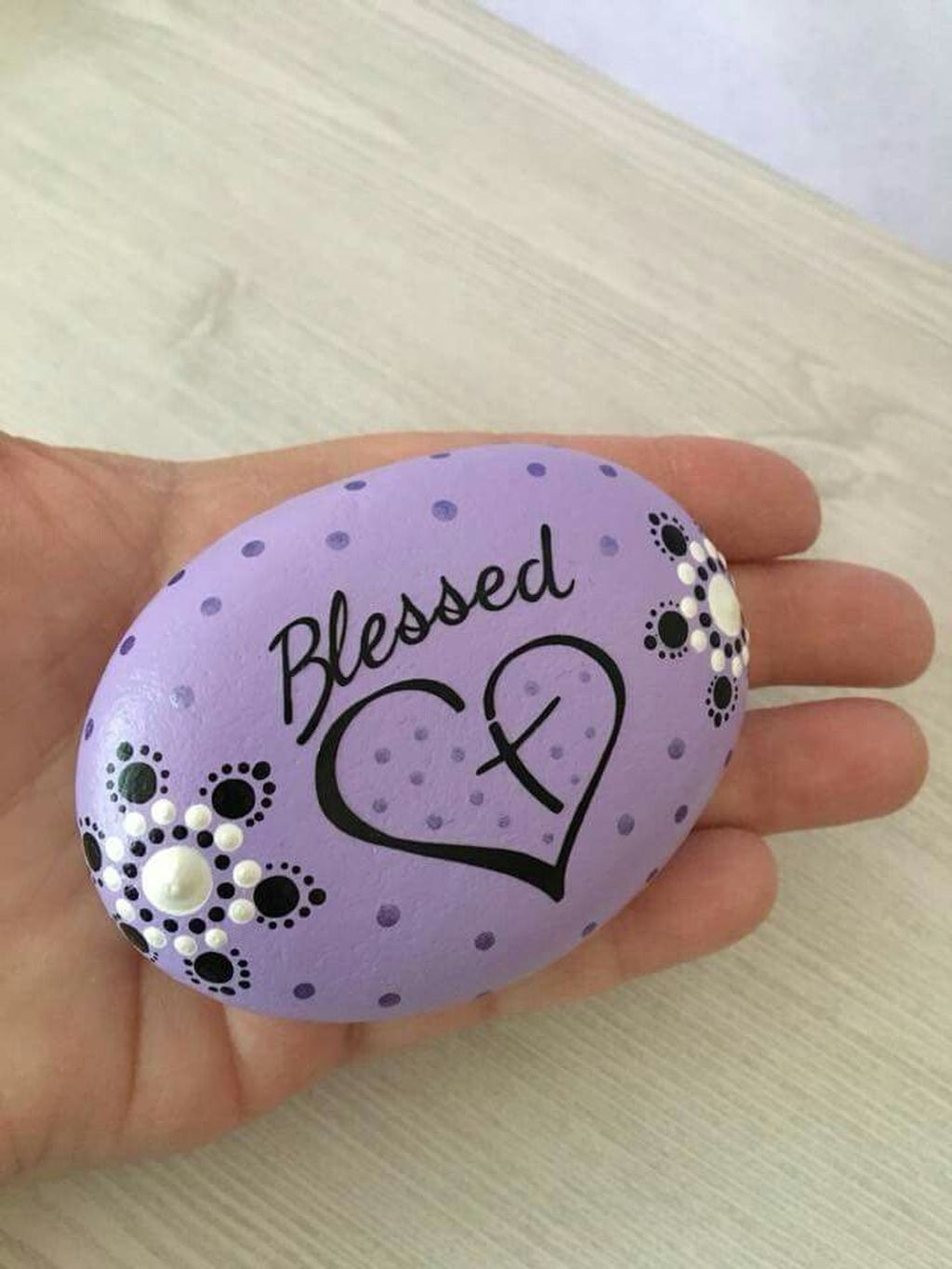 Affordable Diy Painted Rock Ideas For Home Decoration 28