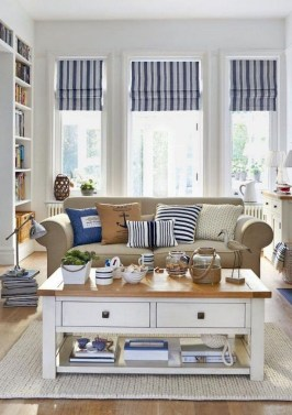 Best Coastal Living Room Decorating Ideas 17