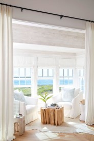 Best Coastal Living Room Decorating Ideas 51