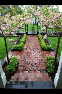 Classy Garden Path And Walkway Design And Remodel Ideas 01