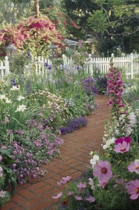 Classy Garden Path And Walkway Design And Remodel Ideas 17