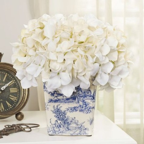 Cool Floral Arrangement Ideas To Beautify Your Room 20