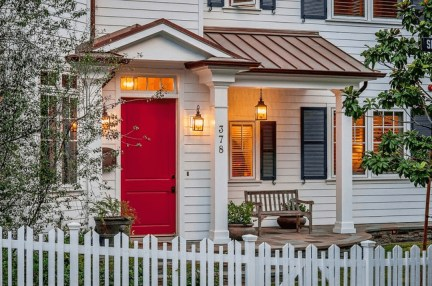 Cozy Small Porch Design Ideas To Try Right Now 32