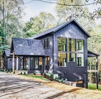 Incredible Farmhouse Exterior Design Ideas To Try 12