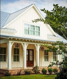 Incredible Farmhouse Exterior Design Ideas To Try 17