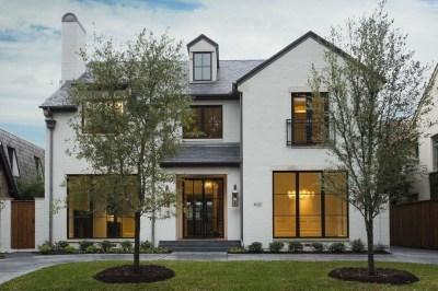 Incredible Farmhouse Exterior Design Ideas To Try 28