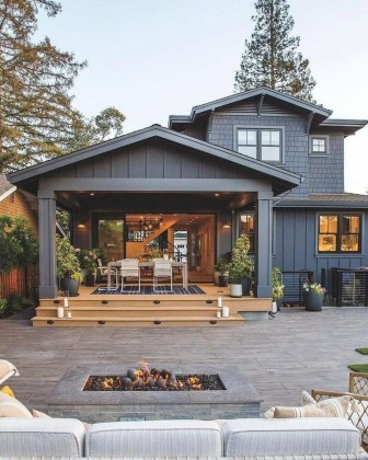 Incredible Farmhouse Exterior Design Ideas To Try 55