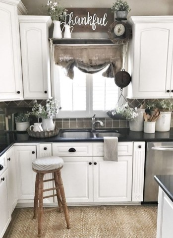 Magnificient Kitchen Cabinet Curtain Ideas To Look Stunning 19