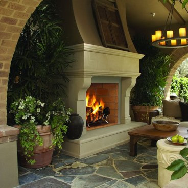 Pretty Seating Area Ideas With Outside Fireplace 06