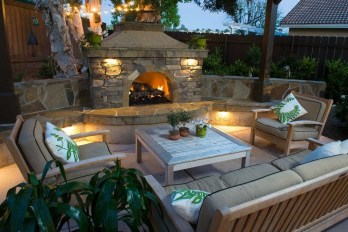 Pretty Seating Area Ideas With Outside Fireplace 28