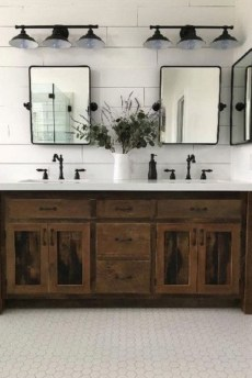 Adorable Farmhouse Bathroom Decor Ideas That Looks Cool 21