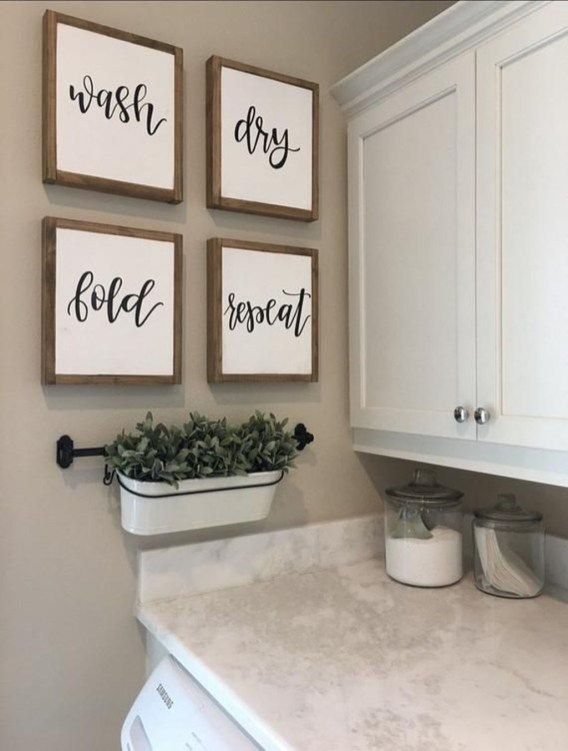 Adorable Farmhouse Bathroom Decor Ideas That Looks Cool 46