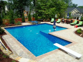 Amazing Swimming Pools Design Ideas For Small Backyards 18