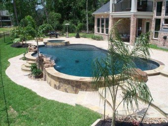 Amazing Swimming Pools Design Ideas For Small Backyards 19