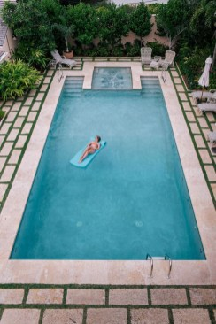 Amazing Swimming Pools Design Ideas For Small Backyards 22
