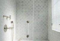 Astonishing Farmhouse Shower Tile Decor Ideas To Try 44