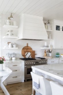 Comfy White Kitchen Cabinets Design Ideas To Try 22