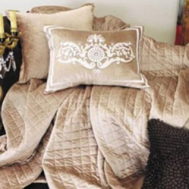 Fancy Champagne Bedroom Design Ideas To Try 12