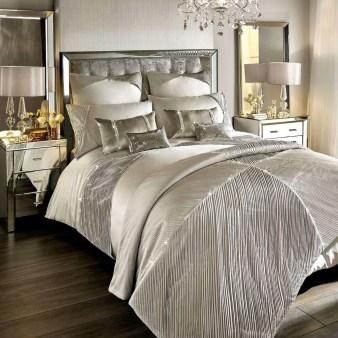 Fancy Champagne Bedroom Design Ideas To Try 31