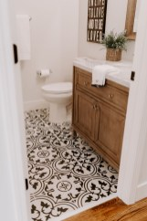 Inspiring Small Bathroom Design Ideas With Wood Decor To Inspire 03