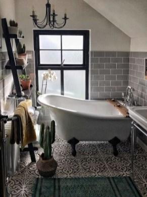 Inspiring Small Bathroom Design Ideas With Wood Decor To Inspire 32