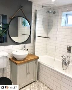 Inspiring Small Bathroom Design Ideas With Wood Decor To Inspire 49
