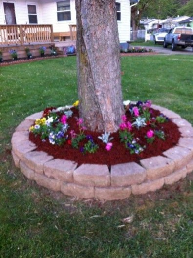 Modern Flower Beds Rocks Ideas For Front House To Try 34