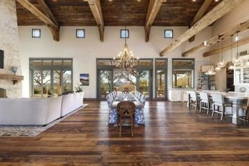 Astonishing Rustic Dining Room Desgin Ideas 14