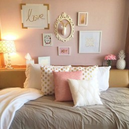 Cute And Girly Pink Bedroom Design For Your Home 22