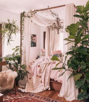 Cute And Girly Pink Bedroom Design For Your Home 33