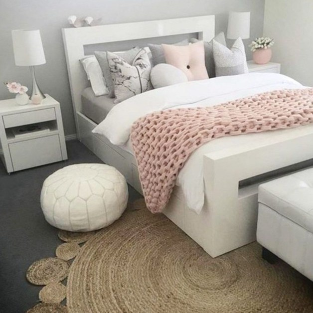 Cute And Girly Pink Bedroom Design For Your Home 43