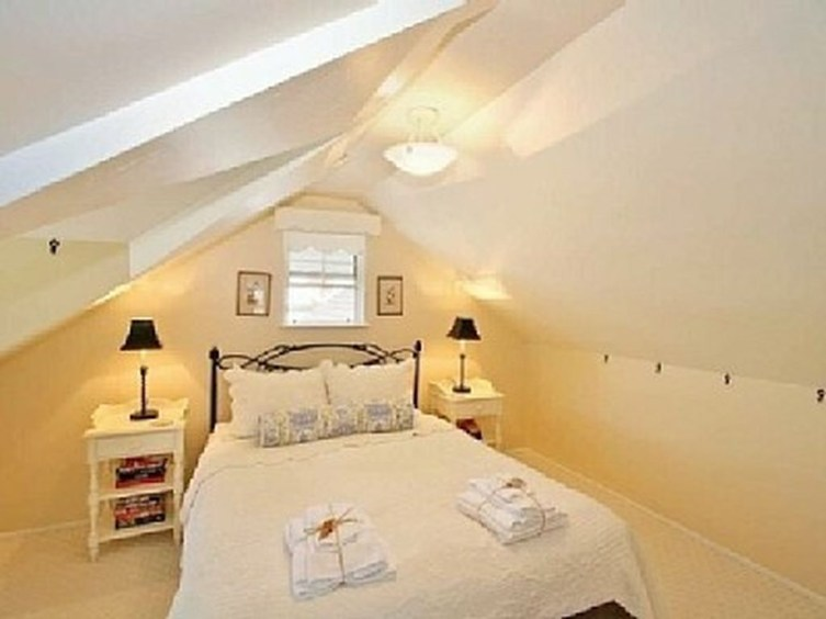 Elegant Small Attic Bedroom For Your Home 19