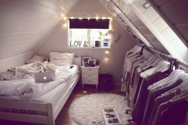 Elegant Small Attic Bedroom For Your Home 22