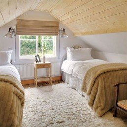 Elegant Small Attic Bedroom For Your Home 34