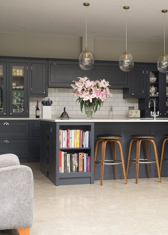 Impressive Kitchen Island Design Ideas You Have To Know 38