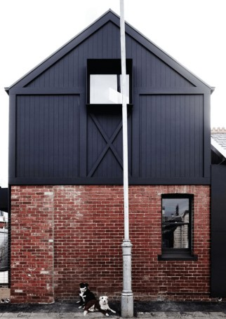 Modern Homes Decorating With Black Exteriors 09