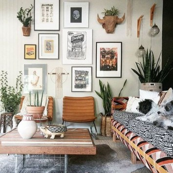 Stunning Bohemian Living Room Design Ideas 33