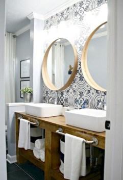 Stylish Small Master Bathroom Remodel Design Ideas 03
